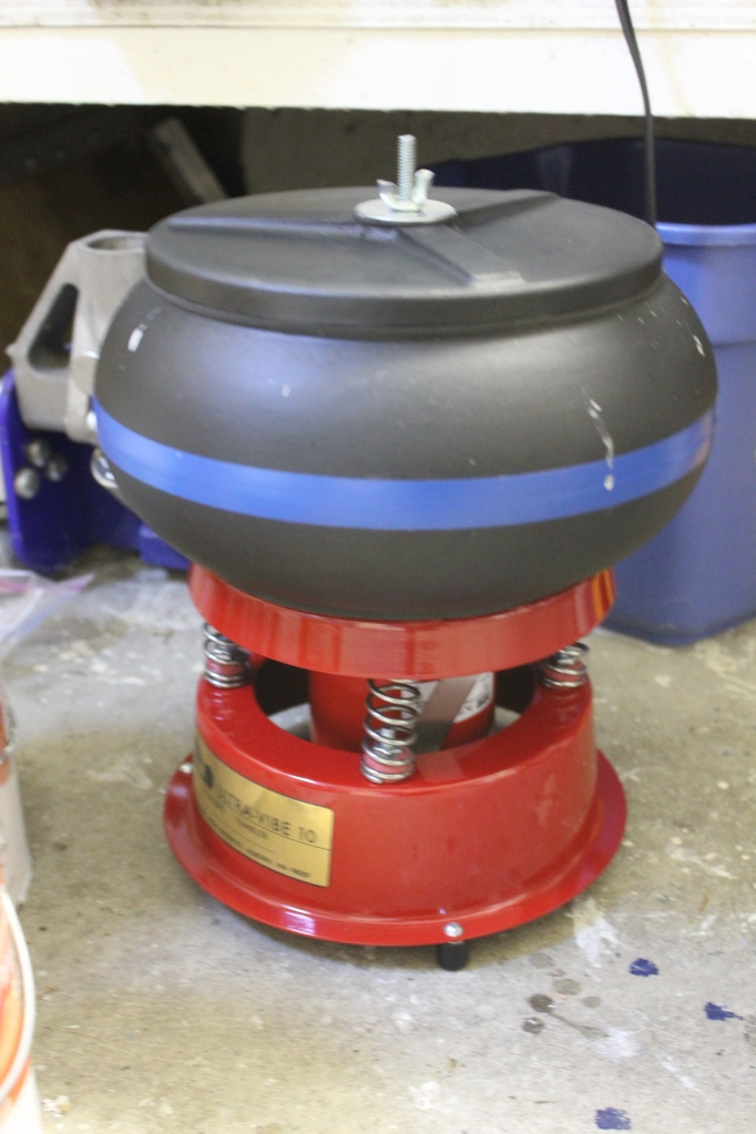 This is the Thumler UV10 vibratory rock tumbler I picked up to do the medium grit to polish stages for my rocks. The general suggestion seems to be use rotary rock tumblers for coarse grind to shape the rocks down, then switch to vibratory rock tumblers for the next stages as they are much faster and get a better shine.