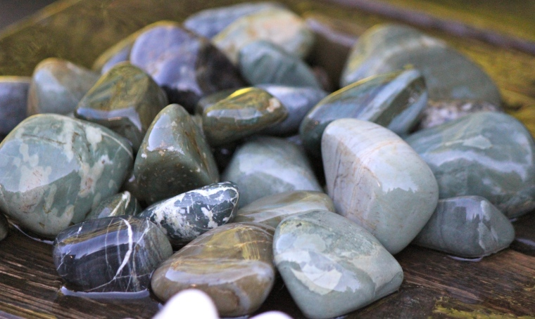 Greenstone, some jasper. I'm still figuring out how exactly to classify and sort this stuff. It's not all the same.